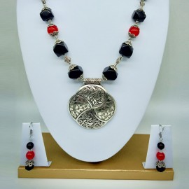 Tibetan Black & Red Stone Necklace Set