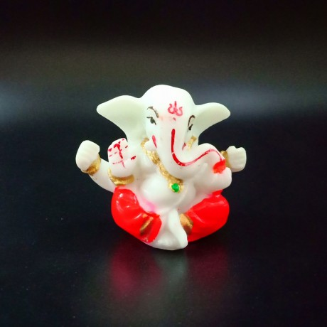 Ganesha idol for Car Dashboard